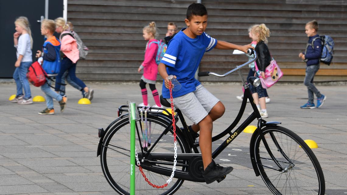 Afbeelding lespakket Verkeerskunsten groep 7 en 8 - fietskunsten les 2